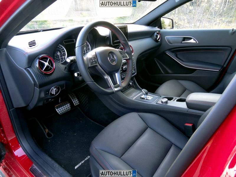 MercedesBenz_A45-AMG_4