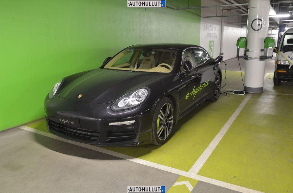 Porsche Panamera S E-Hybridille energiatukea – Autohullut.fi