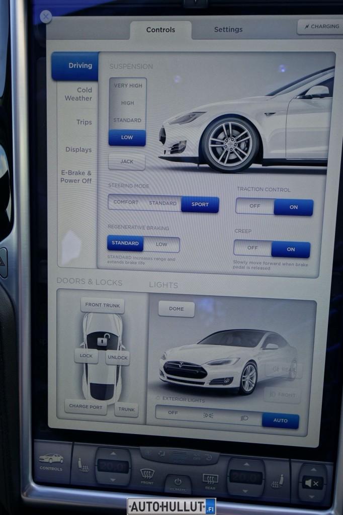 TeslaModelS85_11