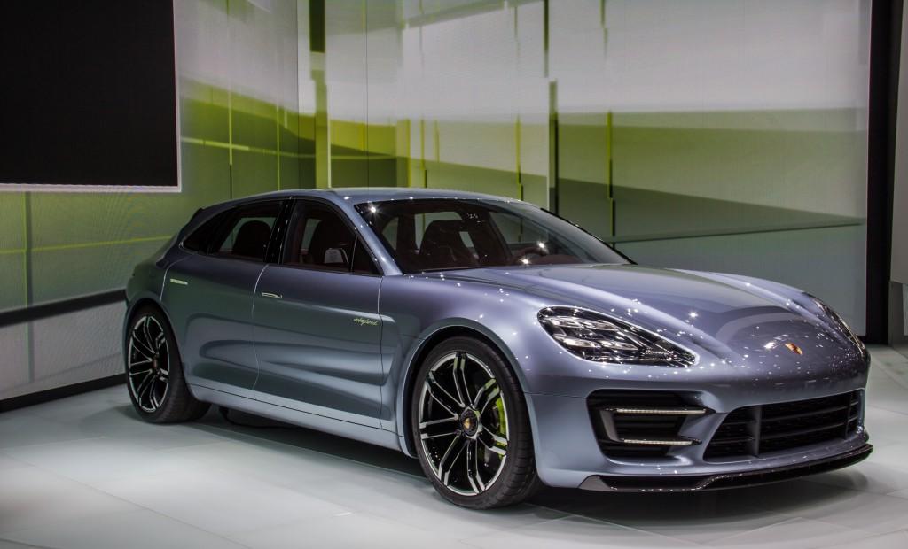 2012_Porsche_Panamera_Sport_Turismo_e-hybrid_(8105018221)